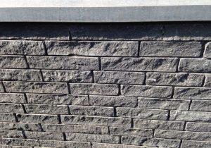 Gevel van Belgisch Hardsteen gekloofde stenen