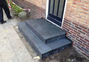 Renovatie Belgisch Hardsteen stoep