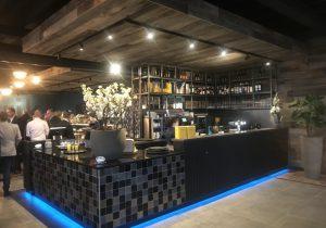 Werkbladen Pure Black geleverd in pannenkoekenrestaurant op vakantiepark